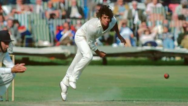 Imran Khan bowling